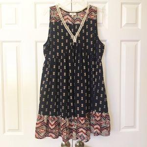 Umgee boho v-neck dress with lace trim. M